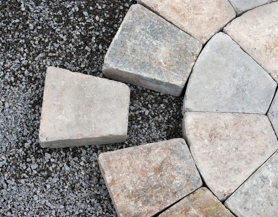 Układanie kostki brukowej i kamienia ogrodowego Profesjonalne usługi brukarskie